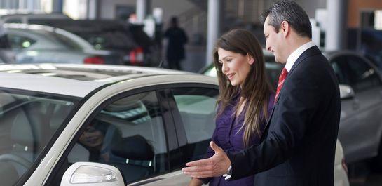 Какое авто купить женщине-водителю?